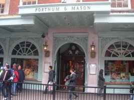 Fortnum & Mason, London, exterior