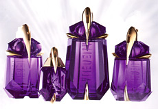 Thierry Mugler Alien fragrance packaging