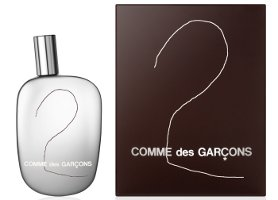 Comme des Garçons 2, bottle and box