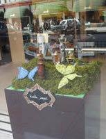 Al Qurashi, Knightsbridge, window display