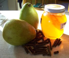 Pears, honey, long pepper