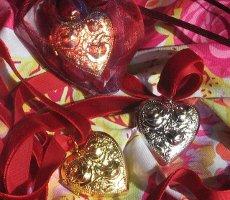 Velvet & Sweet Pea scent charms