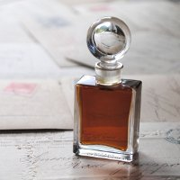 Roxana Illuminated Perfume Chiaroscuro, liquid perfume