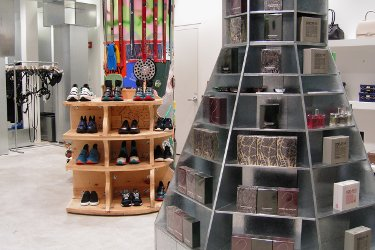 Dover Street Market, NYC, interior perfume display