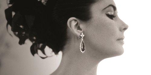 Liz Taylor, Bvlgari earrings